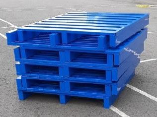 Steel pallet with powder coating